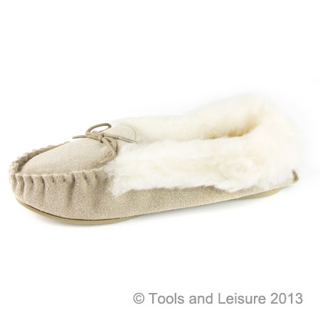 Moccasin Slippers-Fur Lined Size 3 Beige