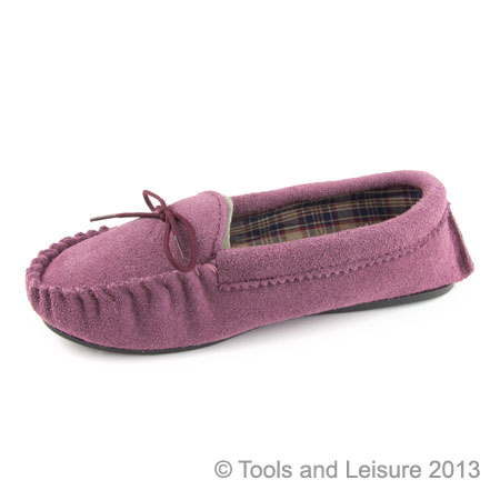 Moccasin Slippers-Size 7 Plum
